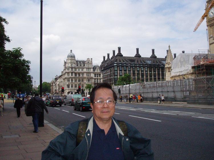 국회의상당 앞길.jpg